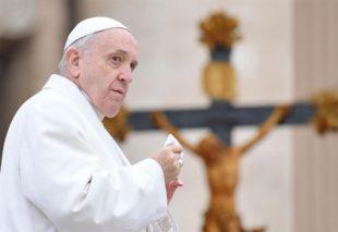 """Chiesa. Papa Francesco contro l'aborto: """"E' come risolvere problemi con un sicario"""""""