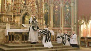 Il caso. Commissione Ecclesia Dei verso la soppressione. Che succede alla Messa tridentina?