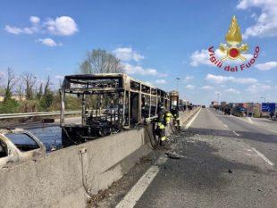 L'autobus incediato da un italo-senegalese