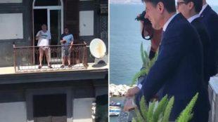 Il premier Conte e un avvocato a Napoli