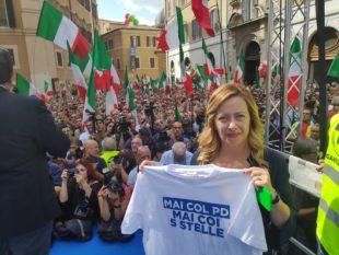 Giorgia Meloni, in piazza a Roma contro il governo
