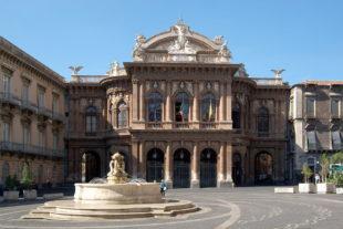 """Cultura (di P. Isotta). Al """"Bellini"""" di Catania, uno dei teatri più belli al mondo cade a pezzi"""