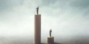 Politica. La crisi sanitaria mette spalle al muro la borghesia: eclissi o riscatto?